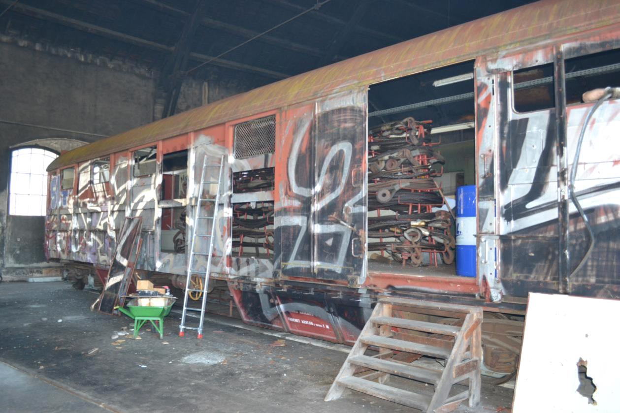 Le wagon atelier en restauration