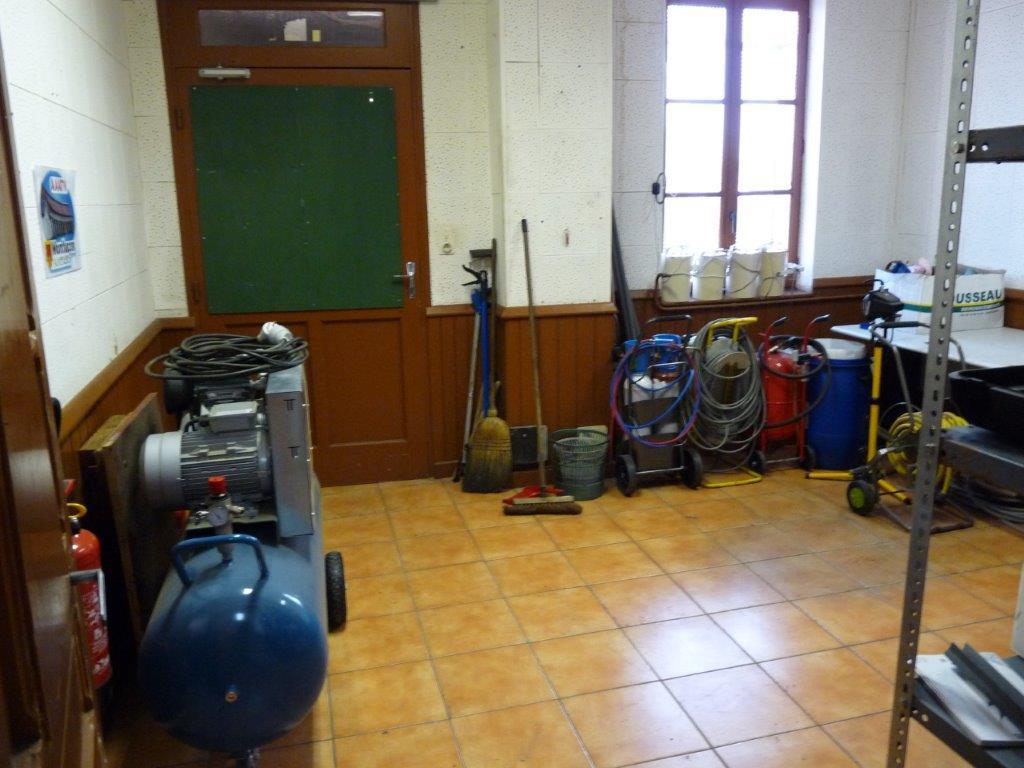 Bientôt la mise place d'un établi pour confection et réparation des petits et moyens équipements
