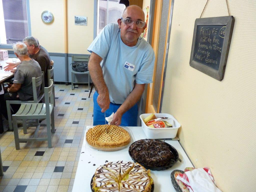 Bernard à la coupe de la tarte