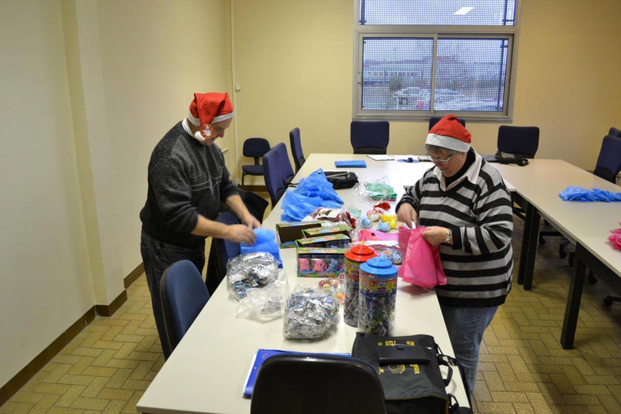 Préparation des sacs cadeaux
